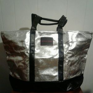 VICTORIA SECRET overnight bag.